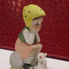Antigüedades: FIGURITA NIÑA DE PORCELANA ANTIGUA BISCUI. Lote 115101731