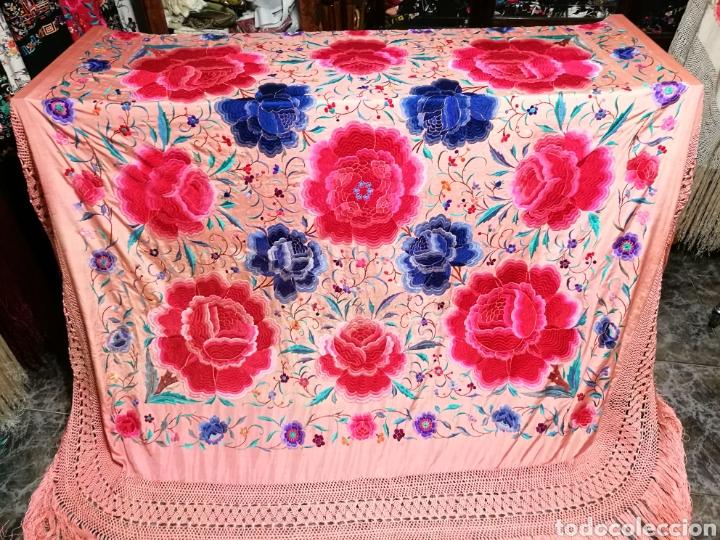 Antigüedades: Precioso mantón antiguo de peonías - Foto 2 - 115175924