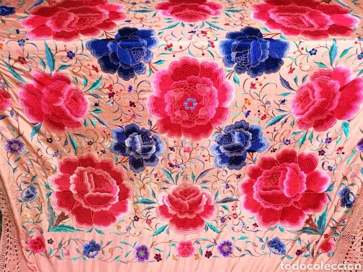 Antigüedades: Precioso mantón antiguo de peonías - Foto 3 - 115175924