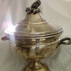 Antigüedades: SOPERA DE LA MARINA PORTUGUESA EN PLATA LAMINADA. Lote 115181767