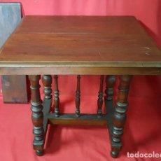 Antigüedades: MESA CASTELLANA CON PATAS TORNEADAS Y TABLERO EXTENSIBLE.. Lote 115186579