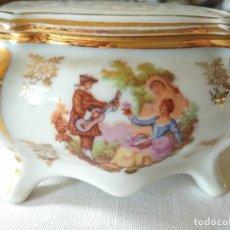 Antigüedades: CAJITA DE PORCELANA DE LIMOGES. Lote 115189079