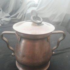 Antigüedades: ANTIGUA OLLA DE COBRE CON FIRMA. Lote 115191814
