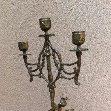 Antigüedades: CANDELABRO GINER CABALLO CABALLERO BRONCE TRES VELAS. Lote 115245571