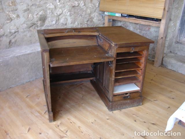 Antigüedades: Mueble Escritorio Escamoteable con Persiana para Máquina de Escribir. Dimensiones 78x110x73,5 cm. - Foto 4 - 115255743