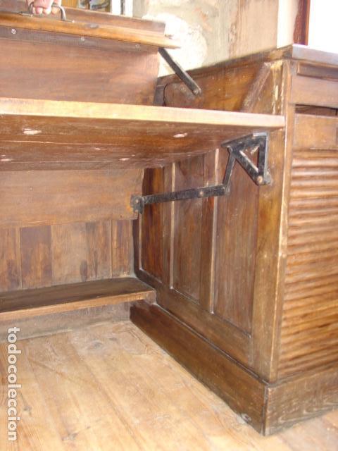 Antigüedades: Mueble Escritorio Escamoteable con Persiana para Máquina de Escribir. Dimensiones 78x110x73,5 cm. - Foto 10 - 115255743
