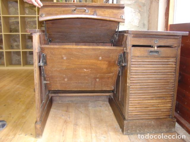 Antigüedades: Mueble Escritorio Escamoteable con Persiana para Máquina de Escribir. Dimensiones 78x110x73,5 cm. - Foto 12 - 115255743