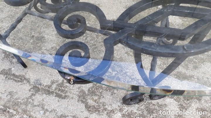 Antigüedades: Mesa antigua de hierro forjado, mesa auxiliar de forja, mesita de centro de salón terraza o jardín - Foto 9 - 115257367