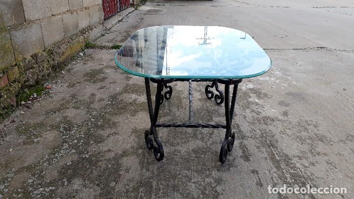 Antigüedades: Mesa antigua de hierro forjado, mesa auxiliar de forja, mesita de centro de salón terraza o jardín - Foto 10 - 115257367