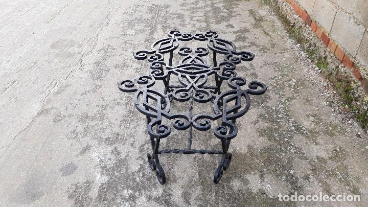 Antigüedades: Mesa antigua de hierro forjado, mesa auxiliar de forja, mesita de centro de salón terraza o jardín - Foto 18 - 115257367