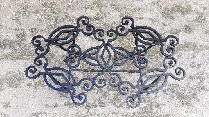 Antigüedades: Mesa antigua de hierro forjado, mesa auxiliar de forja, mesita de centro de salón terraza o jardín - Foto 22 - 115257367