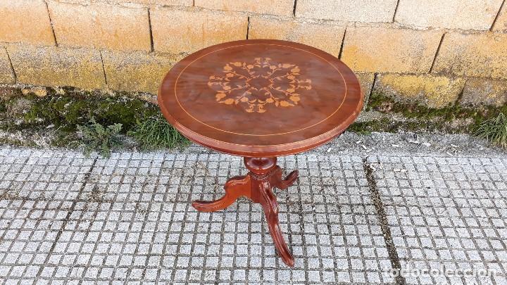 Antigüedades: Mesa velador antigua con marquetería estilo isabelino, mesa auxiliar, velador antiguo - Foto 2 - 115259631