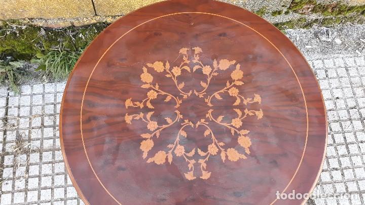 Antigüedades: Mesa velador antigua con marquetería estilo isabelino, mesa auxiliar, velador antiguo - Foto 4 - 115259631