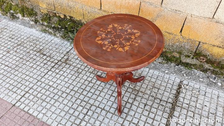 Antigüedades: Mesa velador antigua con marquetería estilo isabelino, mesa auxiliar, velador antiguo - Foto 9 - 115259631