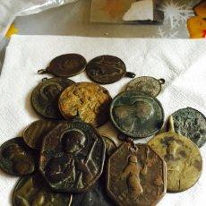 Antigüedades: LOTE DE 16 MEDALLAS ANTIGUAS RELIGIOSAS. Lote 115367540