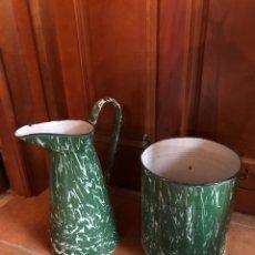 Antigüedades: JARRA Y CUBO DE PORCELANA ESMALTADA. Lote 115399795