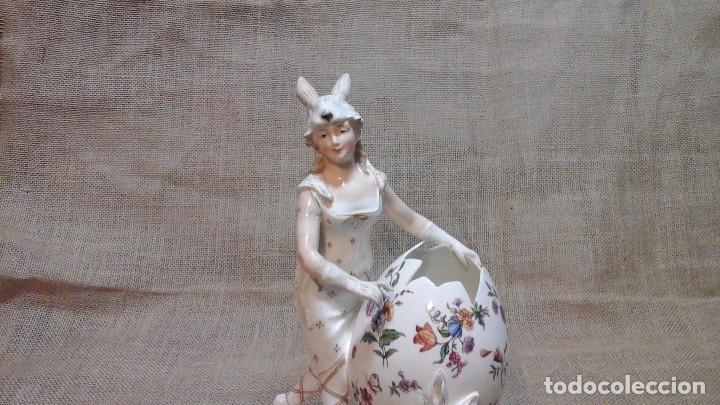 Antigüedades: Dama-florero con piel de conejo . . Marcada Heubach 1882-1905. Schutz-marke ( dep) - Foto 3 - 131085468