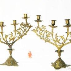 Antigüedades: PRECIOSOS CANDELABROS BRONCE DORADO DE IGLESIA ALTAR CAPILLA CIRCA 1870. Lote 115505247