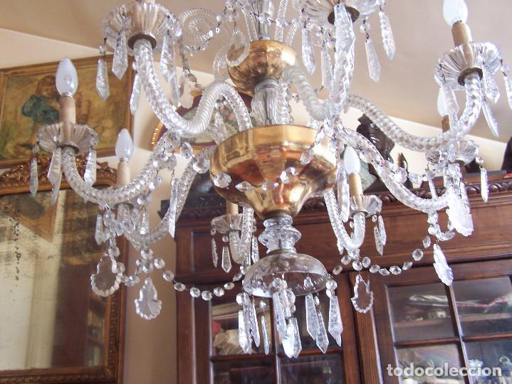 Antigüedades: Lámpara de cristal de la Granja principio de siglo XX de ocho brazos, funcionamiento en dos fases. - Foto 5 - 115507383