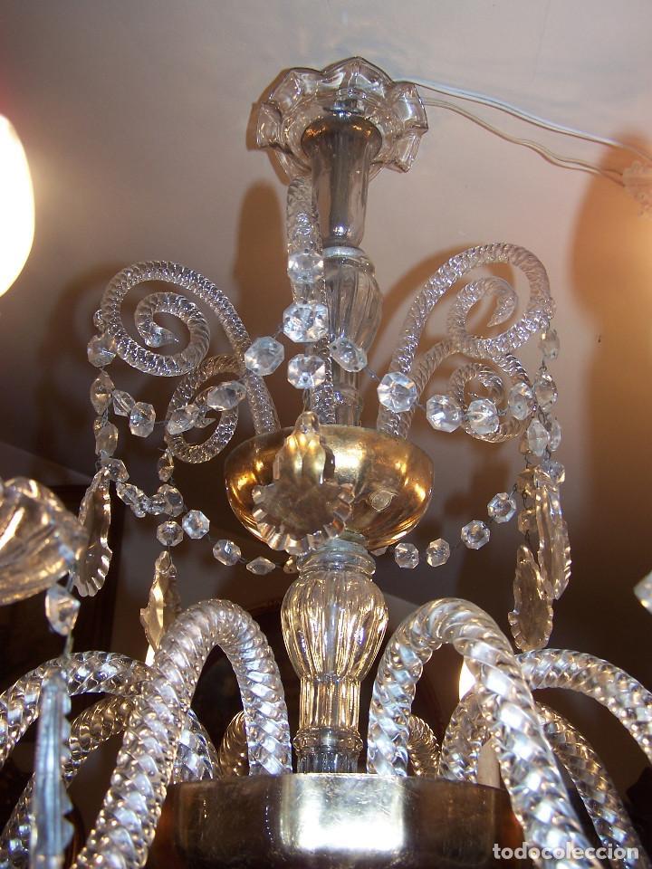 Antigüedades: Lámpara de cristal de la Granja principio de siglo XX de ocho brazos, funcionamiento en dos fases. - Foto 7 - 115507383