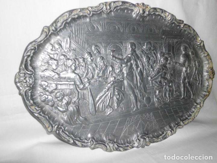 Antigüedades: Bandeja de peltre con escena época Isabelina - Foto 5 - 115522051