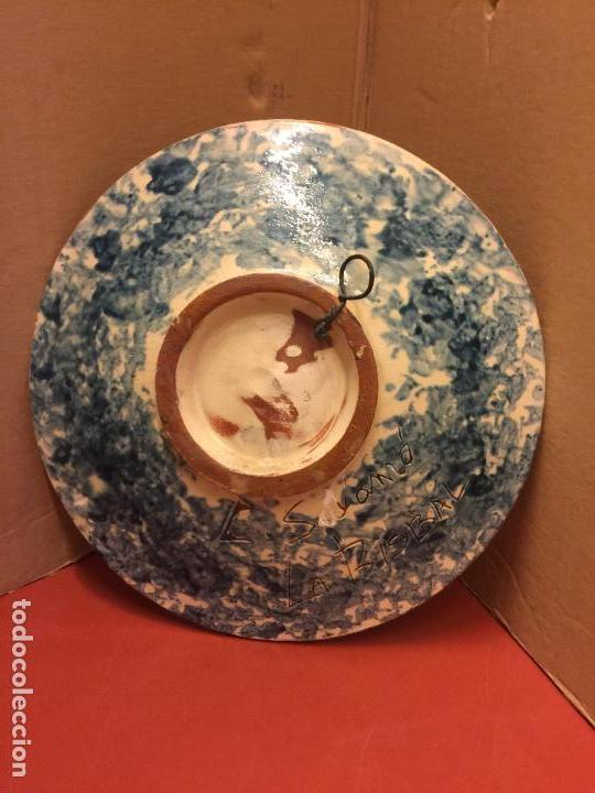 Antigüedades: Plato de Ceramica catalana de La Bisbal. Firma en dorso L Salomo - PEZ. Ver mas fotos. Impecable - Foto 2 - 115559195