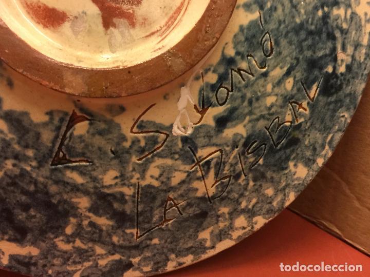 Antigüedades: Plato de Ceramica catalana de La Bisbal. Firma en dorso L Salomo - PEZ. Ver mas fotos. Impecable - Foto 4 - 115559195