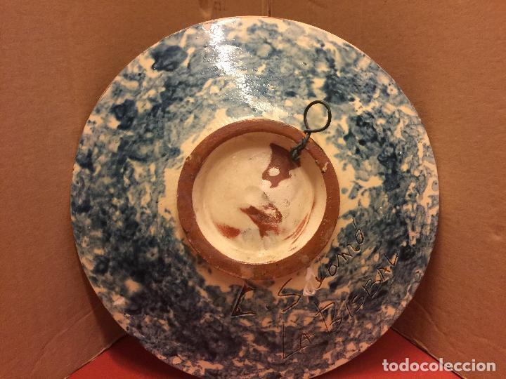 Antigüedades: Plato de Ceramica catalana de La Bisbal. Firma en dorso L Salomo - PEZ. Ver mas fotos. Impecable - Foto 6 - 115559195