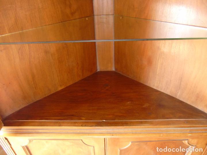 Antigüedades: ANTIGUA VITRINA ESQUINERA. MADERA Y CRISTAL PARTE INFERIOR MUEBLE-BAR CON ESPEJOS.CON LUZ. - Foto 6 - 115559903