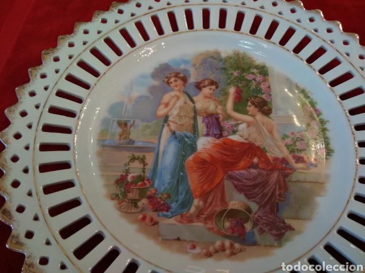 Antigüedades: Pareja de platos porcelana - Foto 3 - 115564364