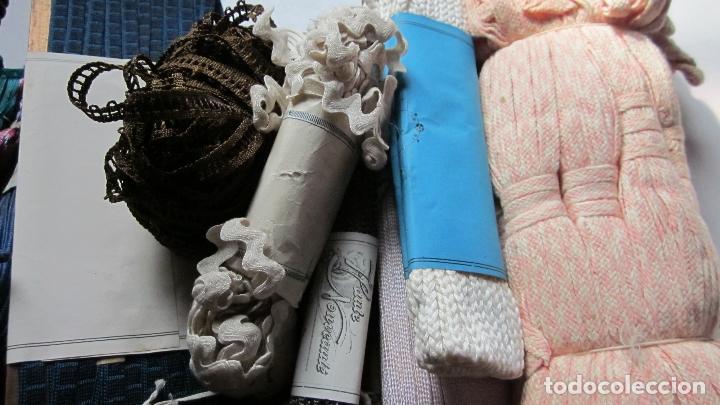 Antigüedades: 40 Piezas de antiguos cordones,cintas y pasamanerias diferentes texturas y medidas - Foto 2 - 115591167