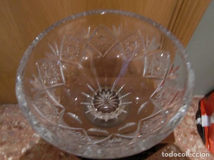 Antigüedades: centro de mesa cristal tallado base bronce 15x24,5x24,5 - Foto 2 - 115594383