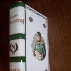 Antigüedades: BOTELLA DE COGNAC NAPOLEÓN EN PORCELANA DE LIMOGES. DIMENSIONES: 19 X 12 X 5. Lote 115615267