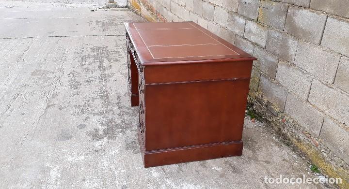Antigüedades: Escritorio antiguo estilo inglés. Mesa de despacho antigua cuero marrón. - Foto 10 - 115624943