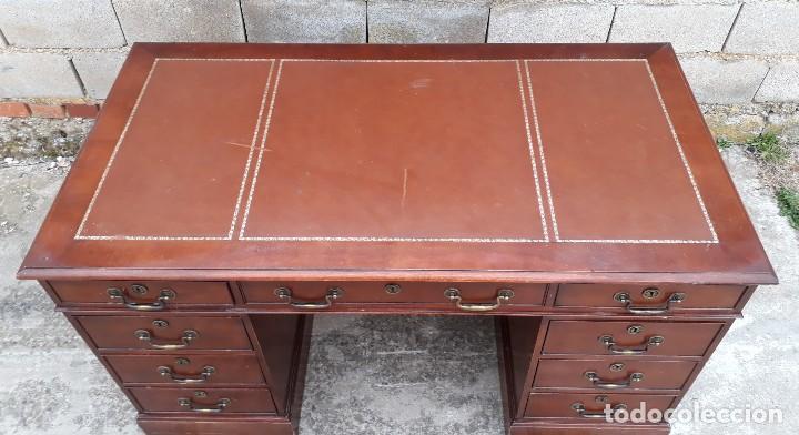 Antigüedades: Escritorio antiguo estilo inglés. Mesa de despacho antigua cuero marrón. - Foto 11 - 115624943