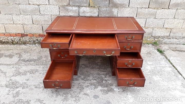Antigüedades: Escritorio antiguo estilo inglés. Mesa de despacho antigua cuero marrón. - Foto 13 - 115624943