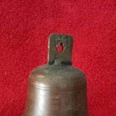 Antigüedades: ANTIGUA CAMPANA DE BRONCE O LATÓN. Lote 115709299