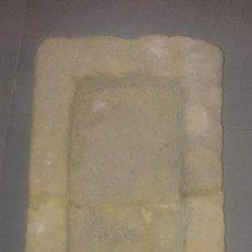 Antigüedades: PILA DE PIEDRA CALIZA CENTENARIA. Lote 115740035