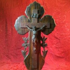 Antigüedades: CRISTO CRUCIFIJO CRUZ PARA MESA -ALTAR -SOBREMESA- SEMANA SANTA RELIGIOSO CAPILLA 43 CM ALTO. Lote 115787563