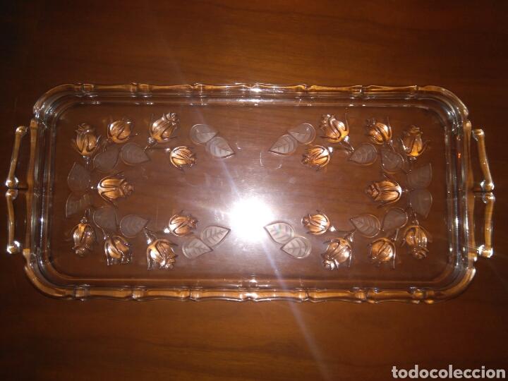 PRECIOSA BANDEJA CRISTAL TALLADO FLORES EN RELIEVE AÑOS 30 35*15CM (Antigüedades - Cristal y Vidrio - Otros)