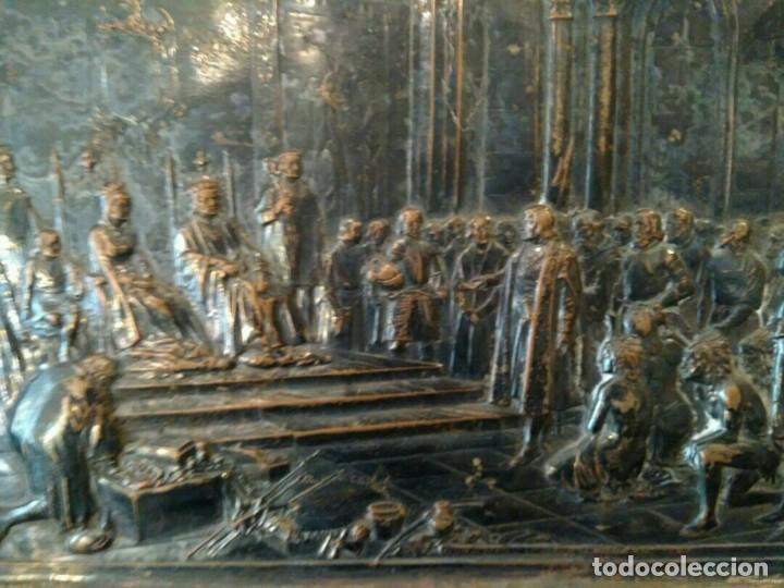 Antigüedades: BANDEJA COBRE - COLON ANTE LOS REYES CATÓLICOS AL REGRESO DEL PRIMER VIAJE - CON SELLO - Foto 6 - 115885999
