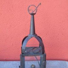 Antigüedades: ANTIGUO FAROL DE HIERRO CON CRISTAL EN LOS LATERALES. ELECTRIFICADO. SG XIX.. Lote 115905467