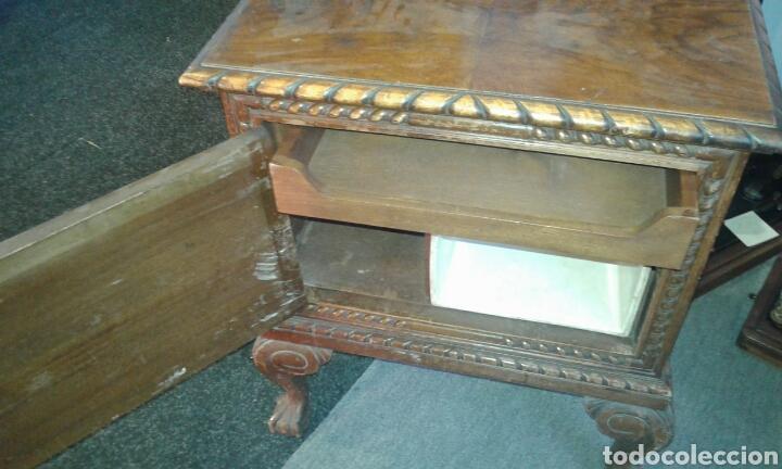 Antigüedades: Mesillas de macizas de Nogal - Foto 2 - 131526153