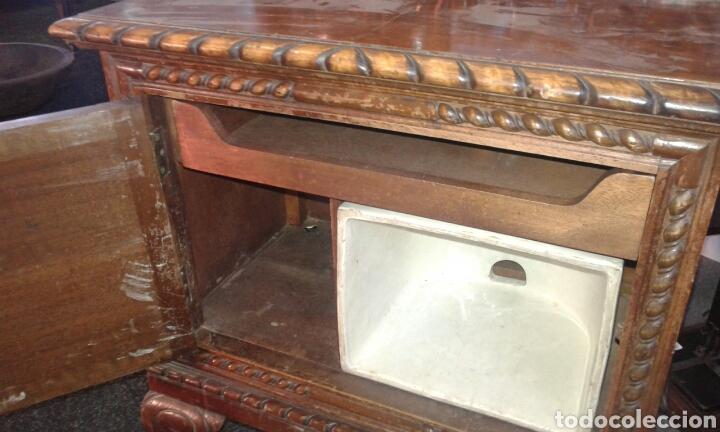 MESILLAS DE MACIZAS DE NOGAL (Antigüedades - Muebles Antiguos - Mesas Antiguas)