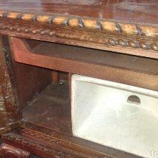 Antigüedades: MESILLAS DE MACIZAS DE NOGAL. Lote 131526153