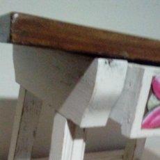 Antigüedades - Mesilla madera de pino estilo castellano - 115929535