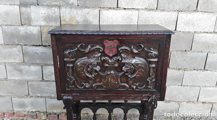 Antigüedades: Bargueño antiguo estilo renacimiento o renacentista, papelera o arquimesa antigua, mueble auxiliar - Foto 3 - 115956931