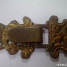 Antigüedades: ANTIGUO Y ESPLENDIDO BROCHE BARROCO DE CAPA PLUVIAL EN BRONCE O METAL DORADO, MIDE 11CM.. Lote 115991683