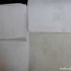 Antigüedades: ANTIGUA MANTELERÍA DE 11 SERVICIOS DE LINO ADAMASCADO. Lote 116150999