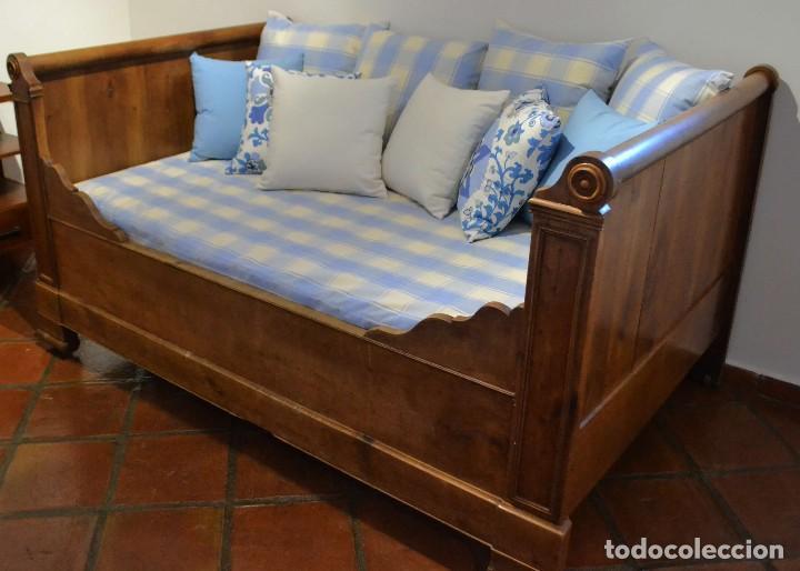 CAMA FRANCESA DE NOGAL SIGLO XIX-PROVENZA- (Antigüedades - Muebles Antiguos - Camas Antiguas)